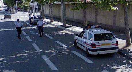 La police arrête la Google Car