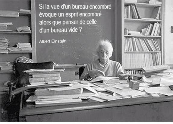 Citation Albert Einstein bureau vide